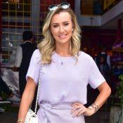 Ana Paula Siebert exibe barriga em biquíni candy color: 'Vichy com quase 1 kg'