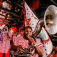 Folia da Stella trouxe o clima de um bloco de carnaval para a passarela