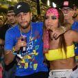 Neymar causou polêmica no Carnaval de 2019 ao curtir Sapucaí com Anitta