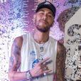 Neymar manda recado nas redes sociais: ' É com uma imensa felicidade que estarei desfalcando o carnaval de 2020. É isso mesmo! Dessa vez não terá polêmica'