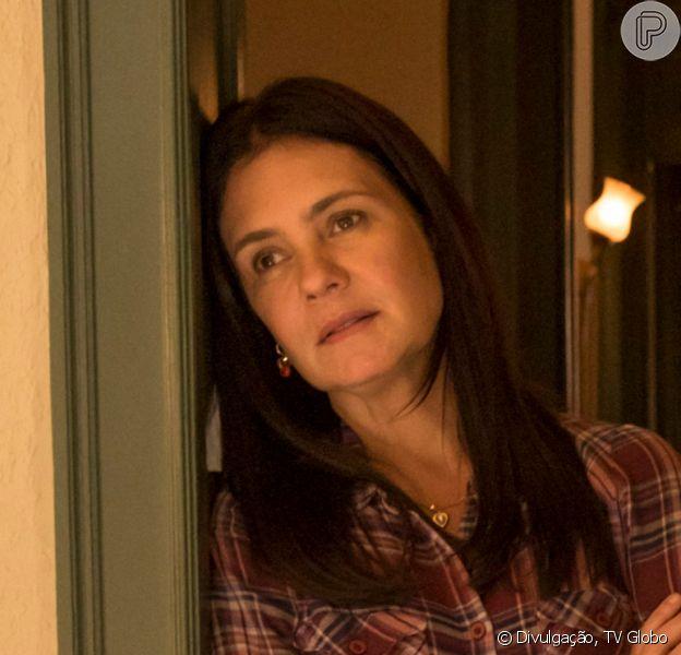 Nos próximos capítulos da novela 'Amor de Mãe', público descobre como filho biológico de Thelma (Adriana Esteves) morreu