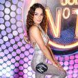 Isis Valverde elegeu look da  estilista Michelly X para curtir Carnaval