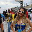 Lexa com dificuldade para andar e Viviane Araújo com namorado: fotos das famosas na apuração do Rio
