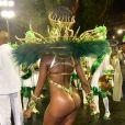 Iza mostra corpo enxuto em desfile como rainha de bateria da Imperatriz Leopoldinense
