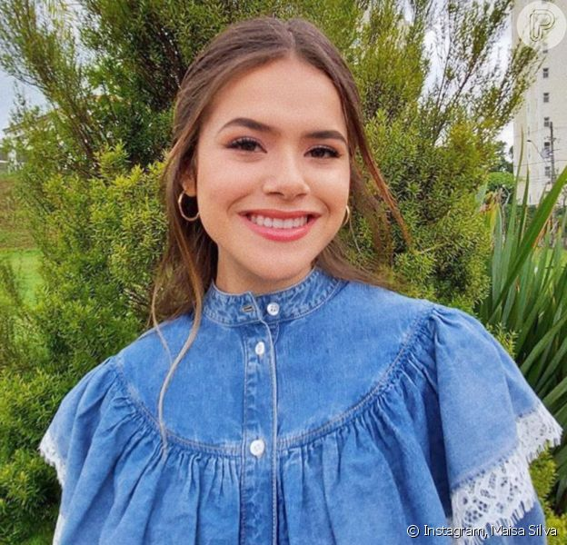 Maisa Silva libera funcionária e faz tarefas de casa em quarentena por coronavírus