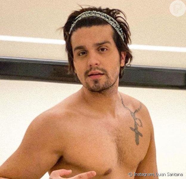Luan Santana postou foto sem camisa e ganhou elogios na web nesta terça-feira, 18 de março de 2020