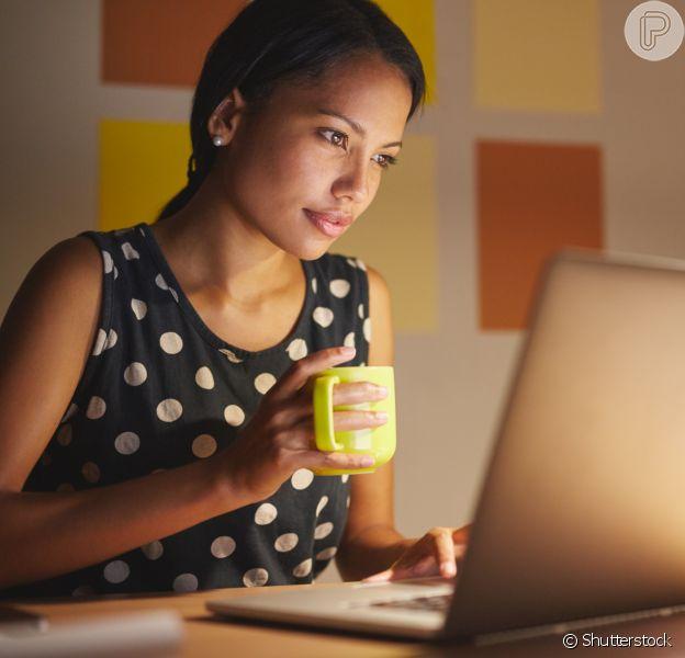 O laptop te ajuda a organizar a rotina agitada: a tecnologia é uma ótima aliada para que você consiga estar conectada e em mais de um lugar ao mesmo tempo