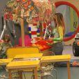 Danielle Winits levou o filho Guy, de 3 anos, para brincar no parquinho de um shopping na tarde deste domingo, 26 de outubro de 2014. Antes disso, no entanto, a atriz cumpriu o seu papel de cidadã e votou em uma zona eleitoral do local