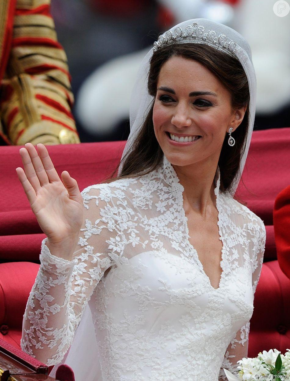 a maquiagem de casamento de kate middleton foi feita pela propria duquesa purepeople casamento de kate middleton foi feita