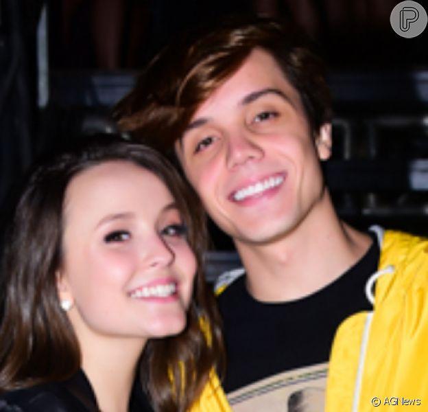 Larissa Manoela e Leo Cidade estão comemorando 2 anos e 5 meses de namoro: 'Minha felicidade na quarentena, na vida e em todos os momentos!'