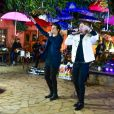 A decoração da live de Breno & Caio Cesar contou com vários guarda-chuvas coloridos
