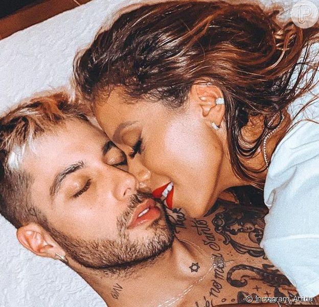 A cantora Anitta postou vídeo provocante no TikTok e reação do namorado chamou atenção de fãs