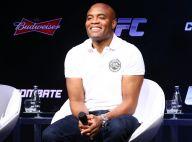 Anderson Silva reclama de falta de força na perna: 'Ainda fico meio inseguro'