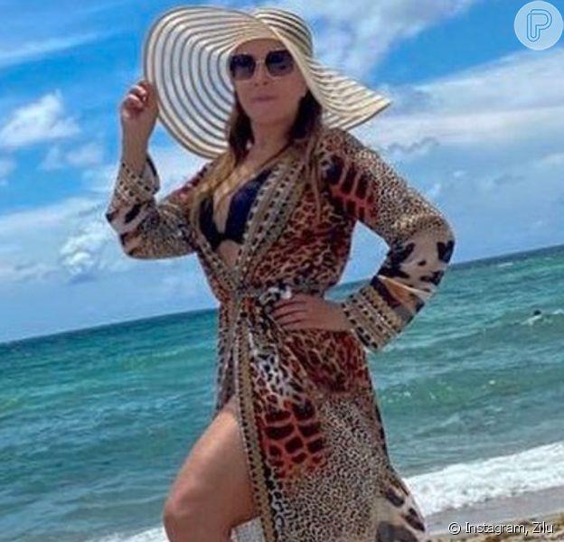 Zilu Godoi inspira mulher em foto de biquíni
