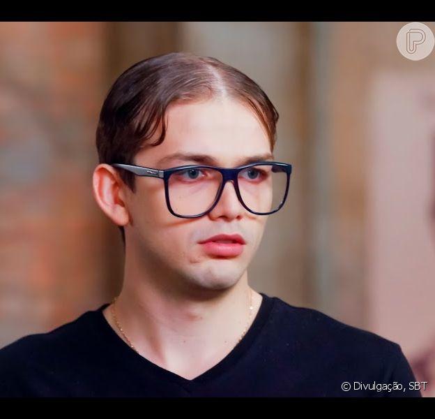 Aos 26 anos, ator da novela 'As Aventuras de Poliana', Vicenzo Richy passou por transplante de cabelo