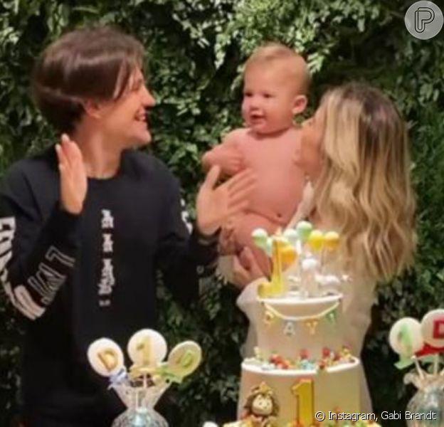 Gabi Brandt e Saulo Poncio comemoram aniversário de 1 ano do filho, Davi Márcio