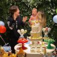 Gabi Brandt faz festa com tema 'selva' para festejar 1 ano do filho
