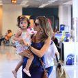 Enquanto Cauã Reymond viajava, Grazi cuidou da única filha do casal, Sofia