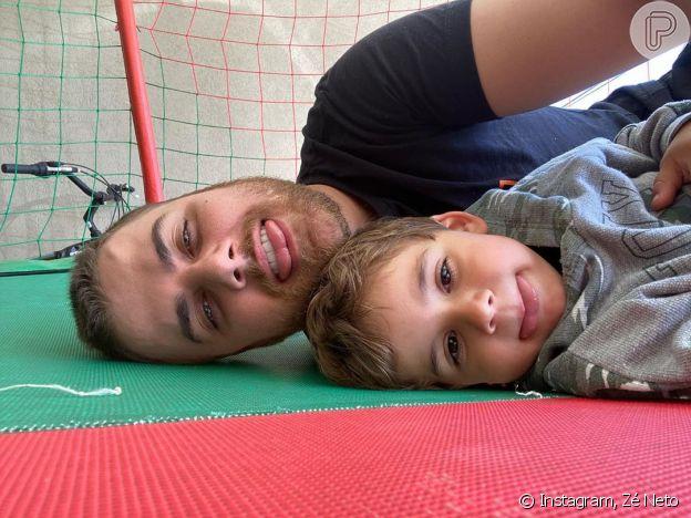 Zé Neto se diverte em foto com o filho mais velho, José Filho