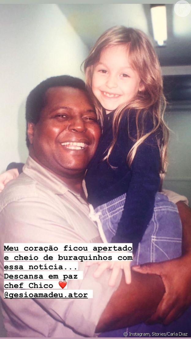 Morte de Gésio Amadeu é lamentada por Carla Diaz em post no Instagram Stories