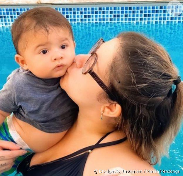 Marília Mendonça posta foto do filho, Leo, com chapéu e violão, em 8 de agosto de 2020