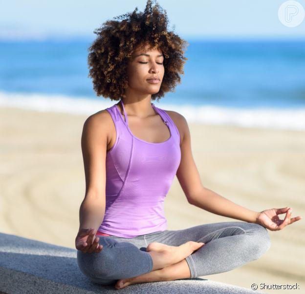 Yoga em casa: 4 vantagens do exercício alia praticidade e autocuidado. Saiba mais em matéria nesta sexta-feira dia 21 de agosto de 2020