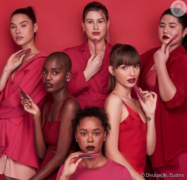 Niina Secrets lança linha de maquiagem com base para 17 tons de pele