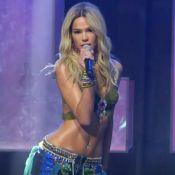 Bruna Marquezine 'vira' Britney Spears em prêmio e agita web: 'Que corpo'