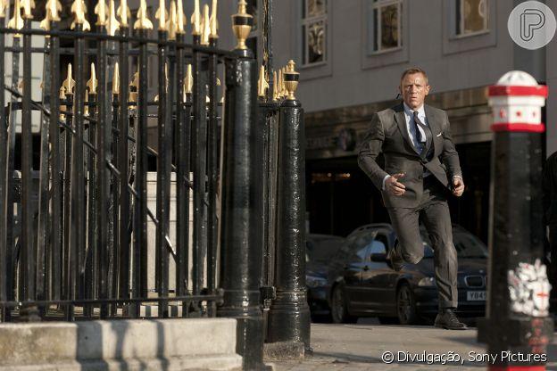 Em '007 - Operação Skyfall', James Bond se aventura em ternos bem cortados e acessórios grifados