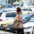 Bolsa de R$ 23 mil: Juliana Paes aposta em acessório de luxo para ir à academia