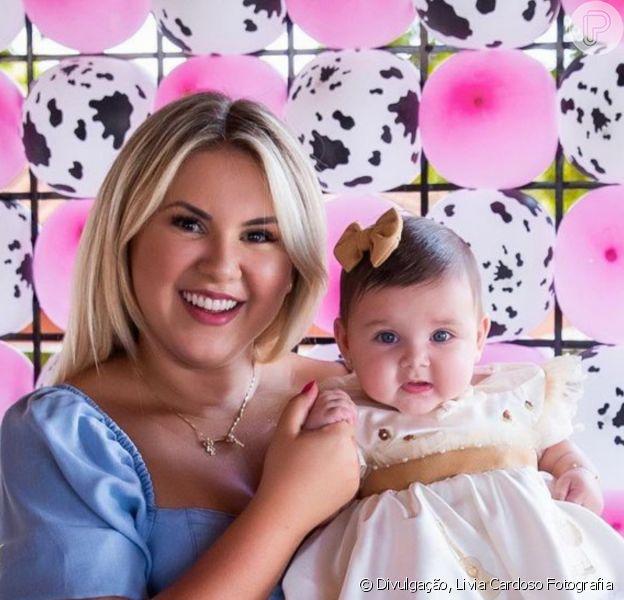 Filha de Zé Neto, Angelina, teve cabelo cortado pela primeira vez pela mãe, Natália Toscano, aos 5 meses: 'Coisa linda'