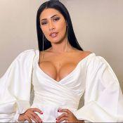 Dupla de Simone, Simaria aposta em vestido com decote na TV. Veja foto!