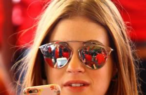98d8b5473a3 Marina Ruy Barbosa repete óculos espelhados para acompanhar GP Brasil de F-1