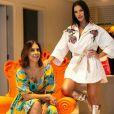 Andressa Suita usa look estiloso e faz foto com amiga Mirella Mascarenhas