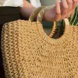 Bolsa de palha é item versátil da moda de verão