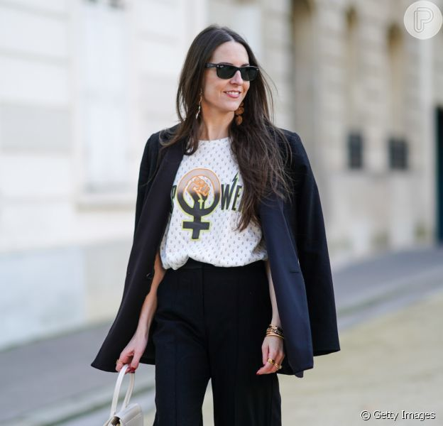 Looks preto e branco do street style para inspirar!