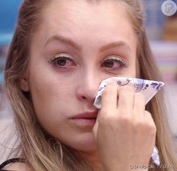 No 'BBB 21', Carla Diaz chora após se desentender com Arthur