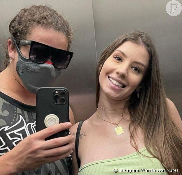 Noiva de Whindersson Nunes, Maria Lina reagiu a alfinetada de internauta ao aparecer em foto sem sutiã