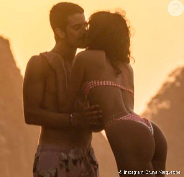 Bruna Marquezine exibe primeira foto de beijo em Enzo Celulari