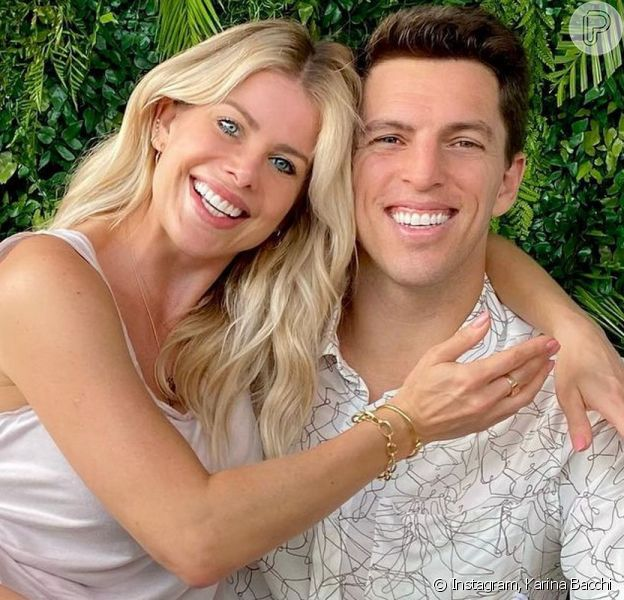 Karina Bacchi e Amaury Nunes parecem ter superado a crise no casamento