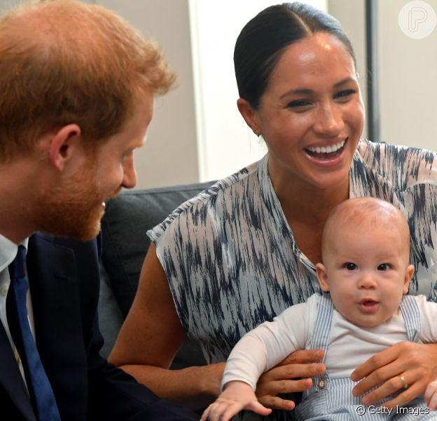 Meghan Markle vai escrever livro sobre relação de Príncipe Harry com filho, Archie. Saiba mais!