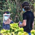 Tatá Werneck lamenta ataques por usar três máscaras de proteção em cerimônia de cremação de Paulo Gustavo