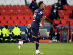 Neymar pede fim de homofobia em jogo e web aponta dança de Gil, do 'BBB 21', após gol. Veja