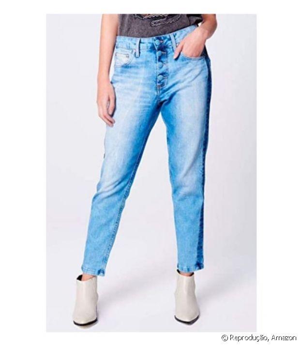 Calça Boyfriend Jeans Cropped com Botões - R$299,00