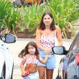 Deborah Secco é apaixonada pela filha Maria Flor e adora combinar look com a menina de cinco anos