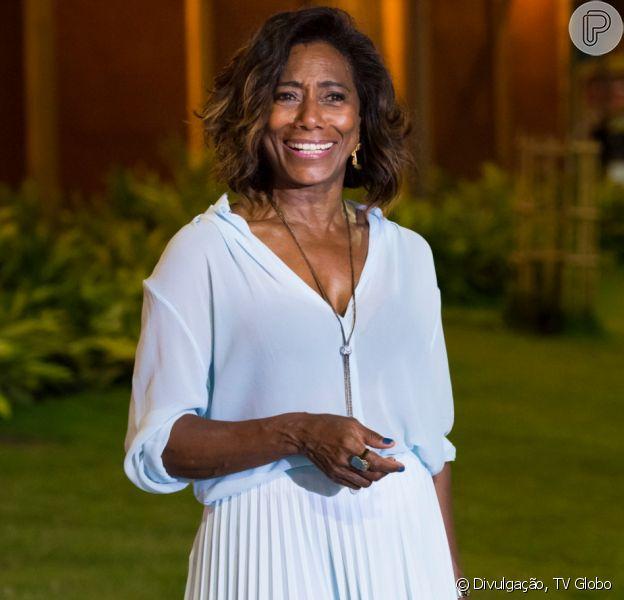 De biquíni, Gloria Maria entrega apoio da filha em foto e recebe elogio de famosas: 'Deusa'