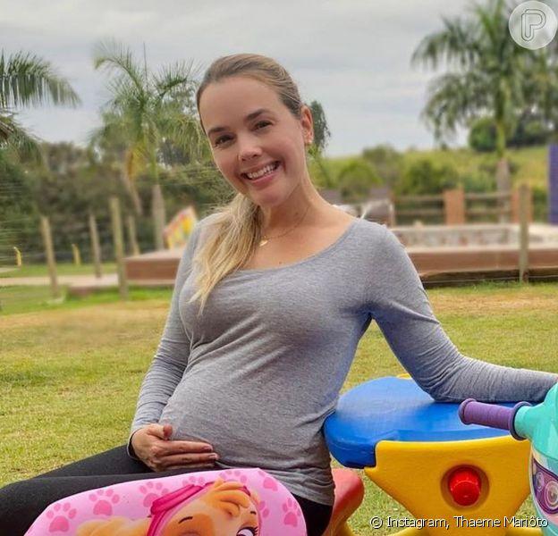 Thaeme Mariôto mostrou sua barriga com 27 semanas de gravidez