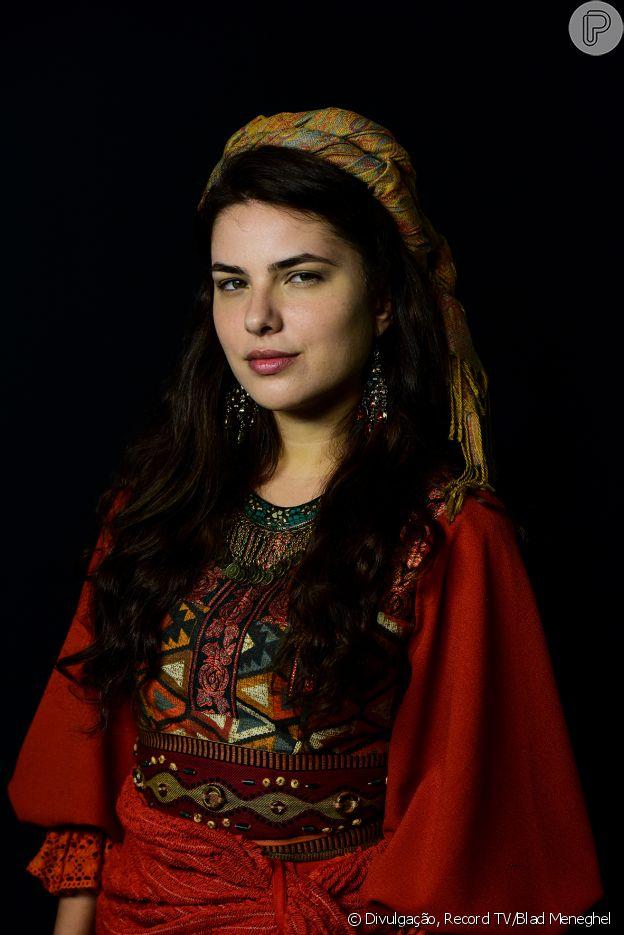 Na novela 'Gênesis', Raquel (Thais Melchior/Giselle Tigre) roubará o pai, que colocará a culpa em Jacó (Miguel Coelho/Petrônio Gontijo)