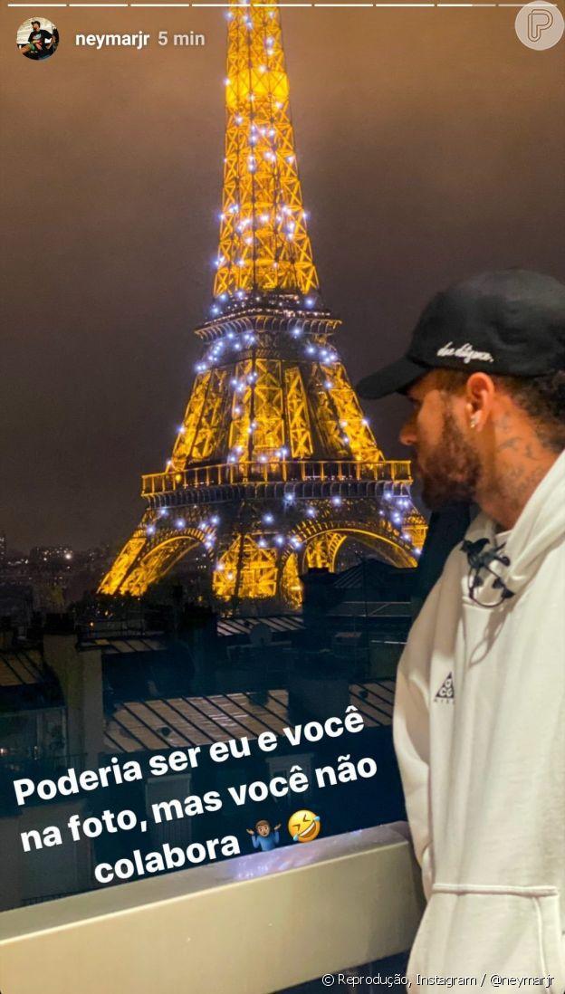 Neymar lamenta ausência de affair em foto em frente à Torre Eiffel