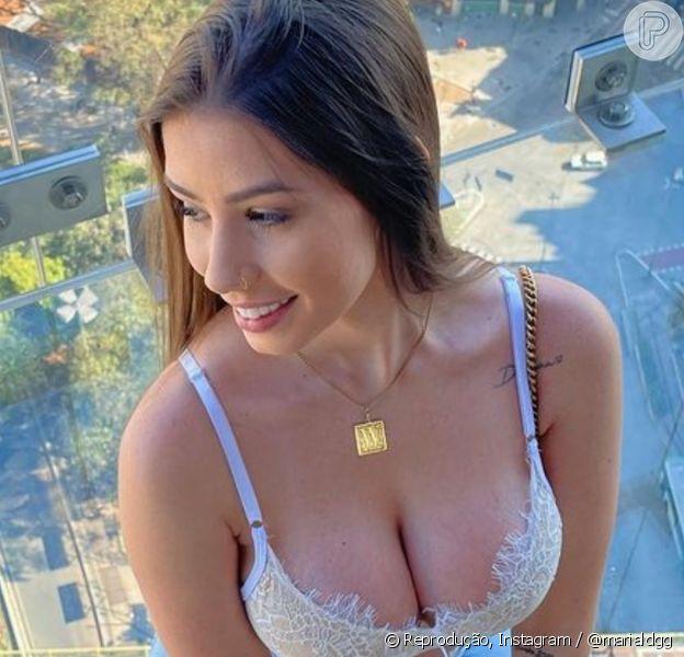 Maria Lina detalha implanta de silicone aos seguidores: 'Colocaria menor porque pesa nas costas'